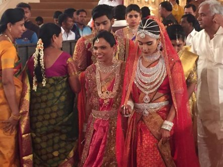 here-are-the-pictures-of-the-500-crore-reddy-wedding-amp-they-rsquo-re-going-to-leave-you-dumbstruck1-1479385712